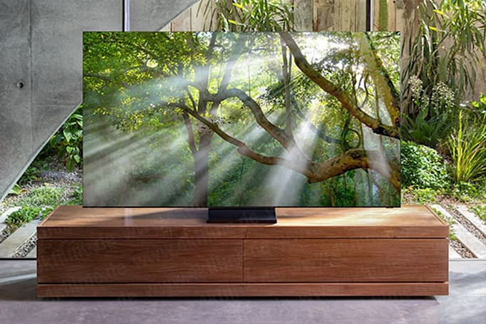 This might be Samsung's upcoming 'zero bezel' 8K TV