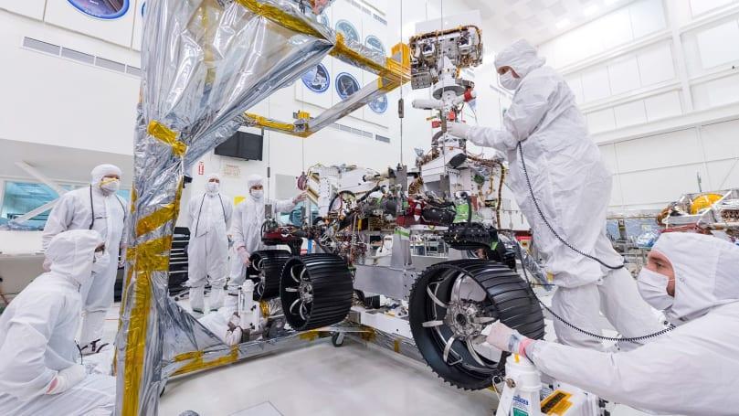 NASA gives the Mars 2020 rover its legs and wheels