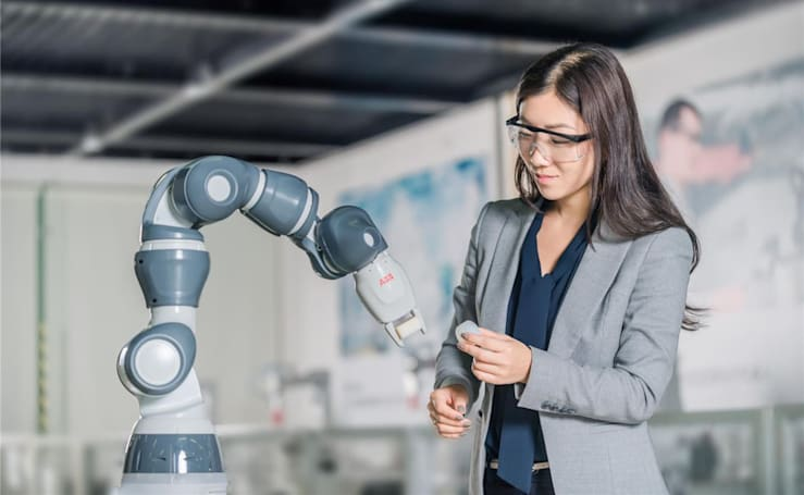 Robots will build robots in $150 million Chinese factory