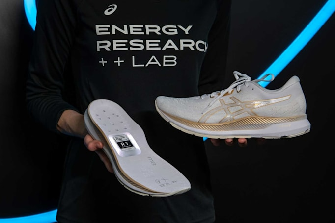 Asics debuts a prototype smart shoe at CES (updated)