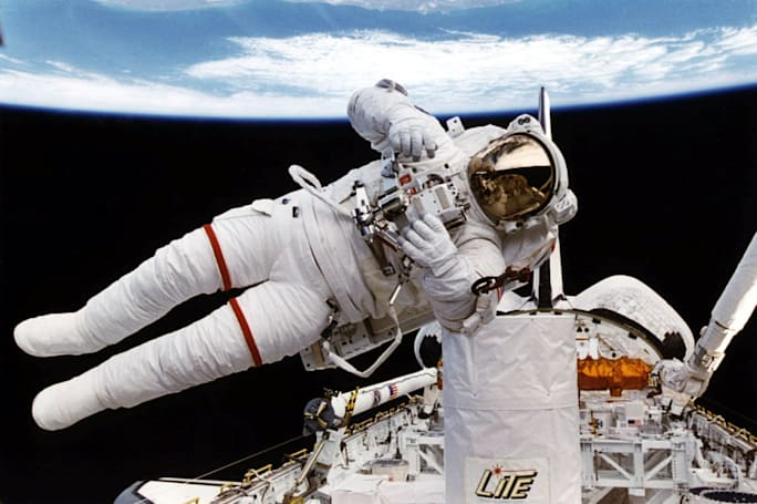 Spacesuit 'take me home' feature could save lost astronauts