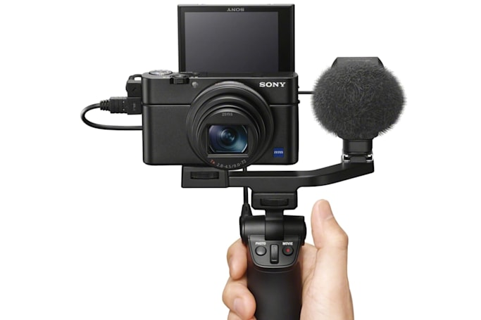 Sony's mic-ready RX100 VII is a vlogger's dream
