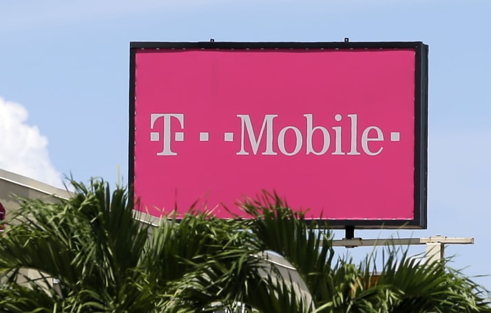T-Mobile temporarily drops its prepaid unlimited data plan to $50