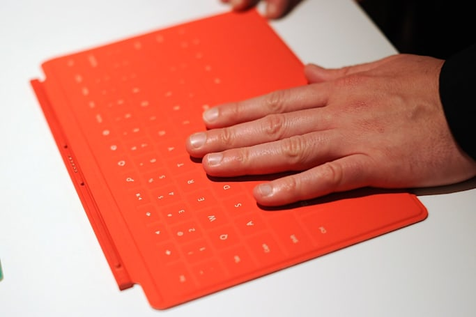 Microsoft inadvertently hints at its own iPad keyboard cover