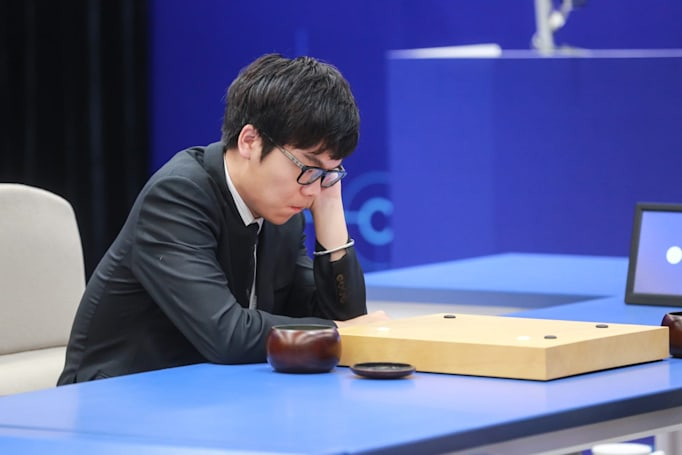 Human Go champion backtracks on vow to never face an AI opponent again