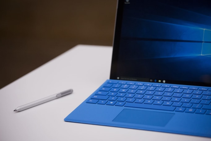 Microsoft will replace your Surface Pro 4 if the screen flickers