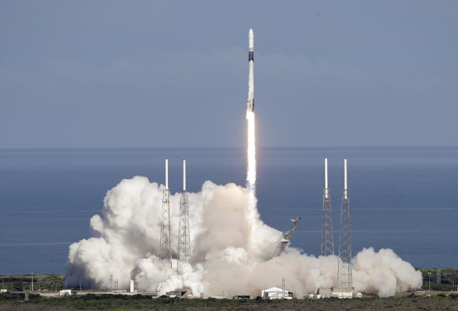 SpaceX 'rideshare' program launches satellites for just $2.5 million