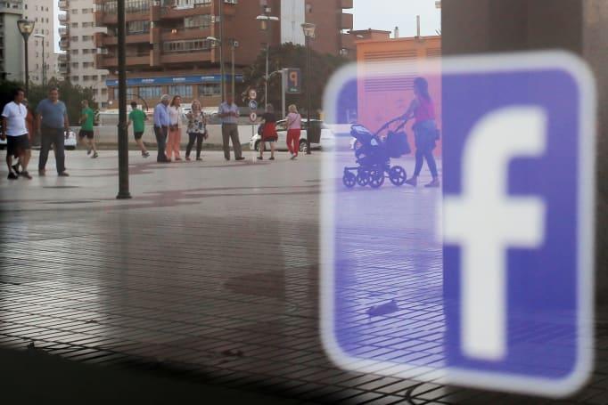 Facebook's breaking news video push begins next week
