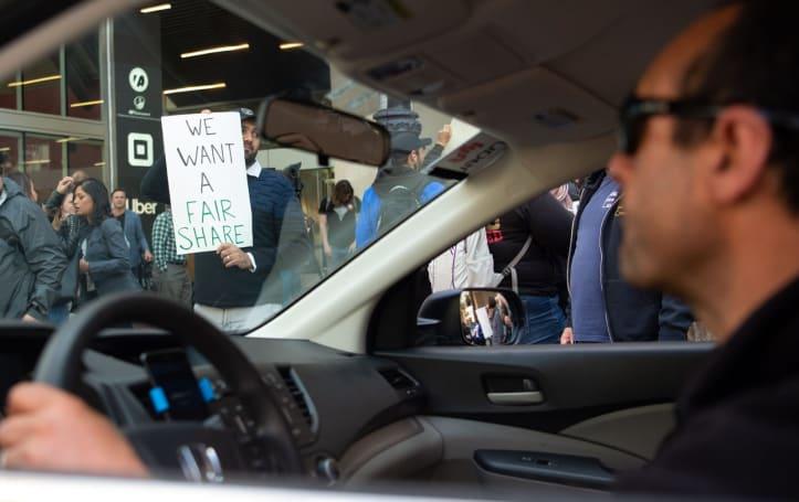 Uber intends to treat drivers as contractors despite California bill
