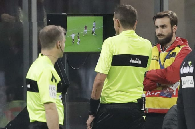 Premier League wants video referees starting next season