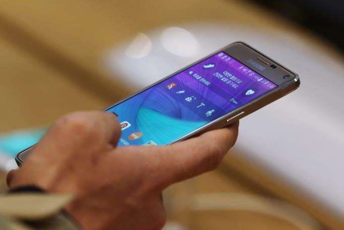 US regulators recall refurbished Galaxy Note 4 batteries