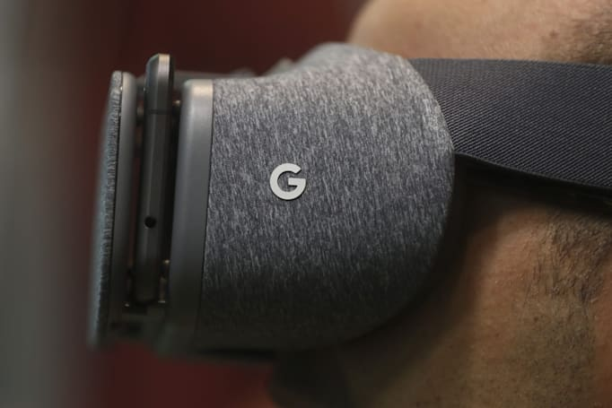 Google Daydream's web-browsing features surface in Chrome