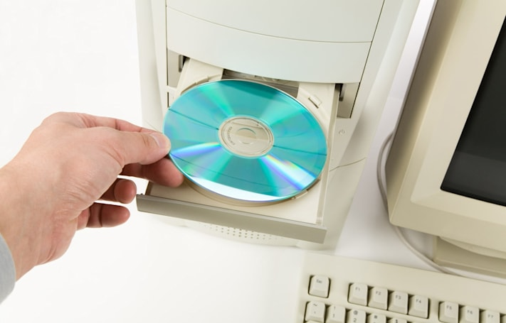 Mueller report forced Congress to find PCs with disc drives