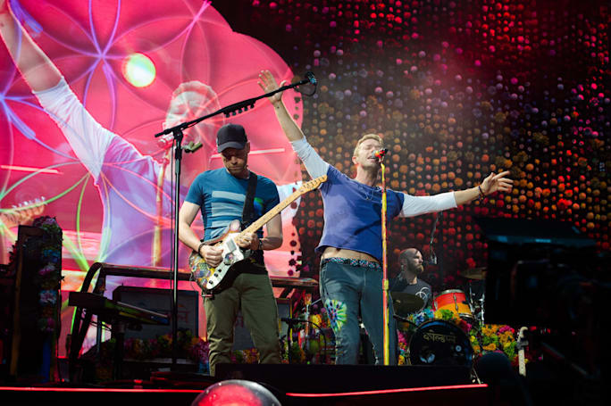 Coldplay's Chicago concert will stream live in VR on August 17th