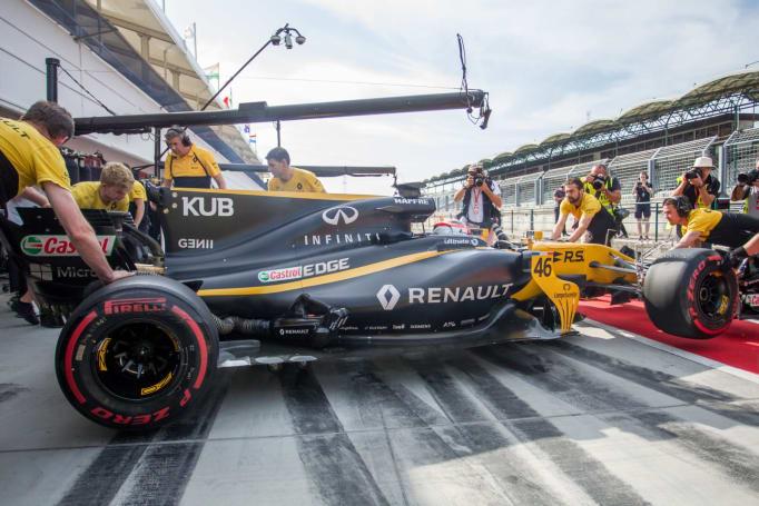 Formula One's eSports racing league seeks the best 'F1 2017' driver