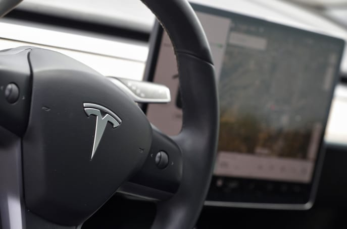 Senator calls on Tesla to make Autopilot safety changes