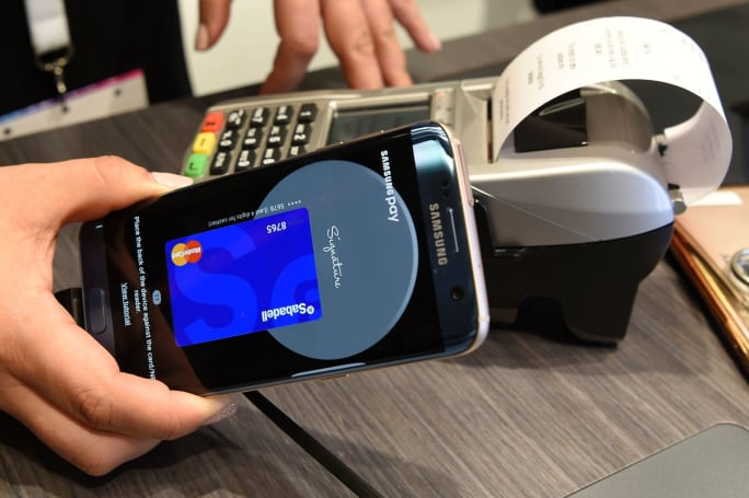 Samsung Pay offers cash back on purchases from select retailers