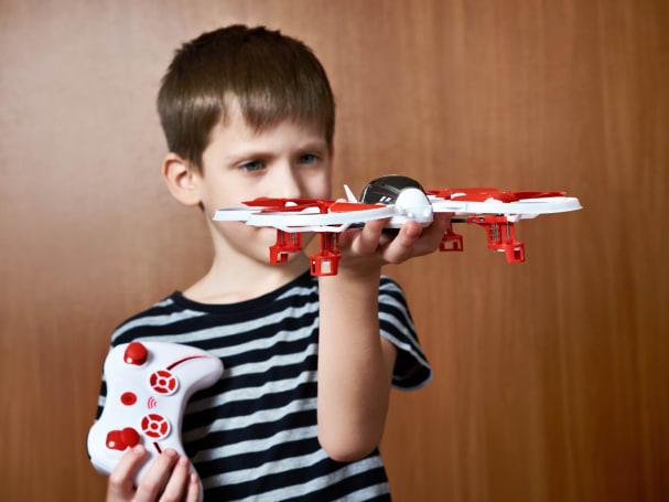 UK proposal sets minimum age for drone use