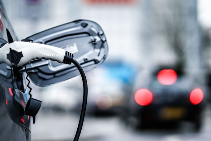Bipartisan highway bill proposes $1 billion for EV charging corridors