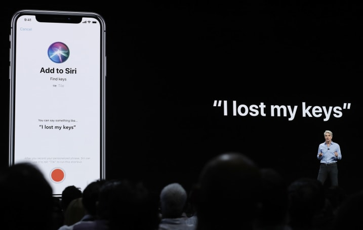 Apple suspends the Siri program where people listened to your questions