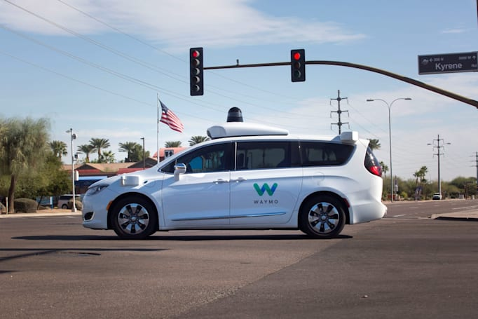 Waymo reportedly returns safety drivers to its autonomous cars