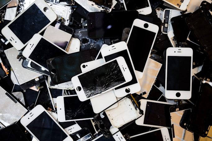 Apple says it's lost money on repairs over the last decade