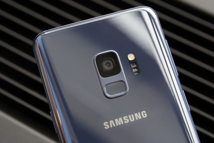 Samsung may be working on a low-light camera mode called Bright Night