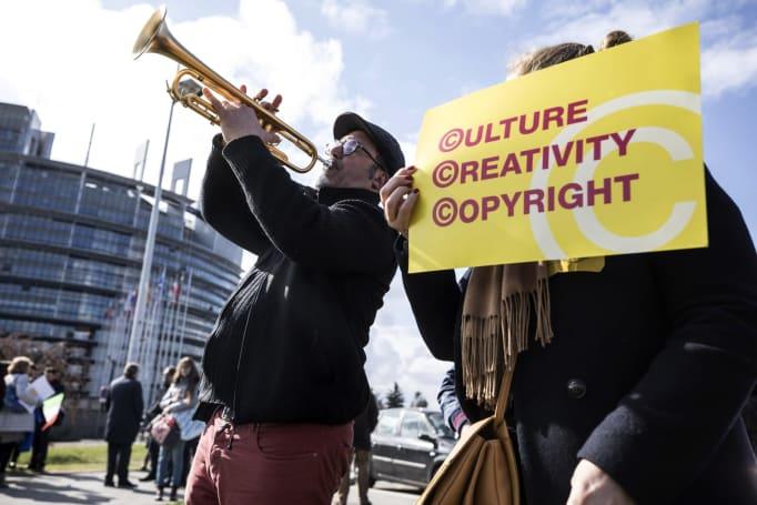 EU passes divisive Article 13 copyright law