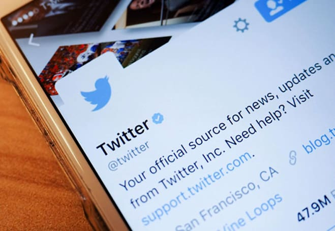 Twitter pushes trending news to the top of your feed