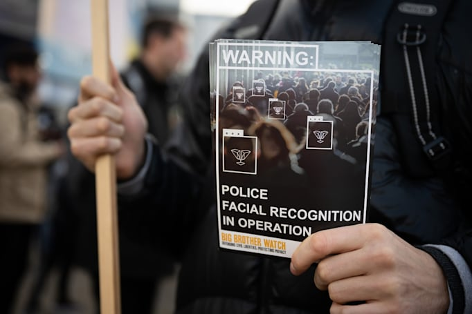 Law enforcement is using a facial recognition app with huge privacy issues