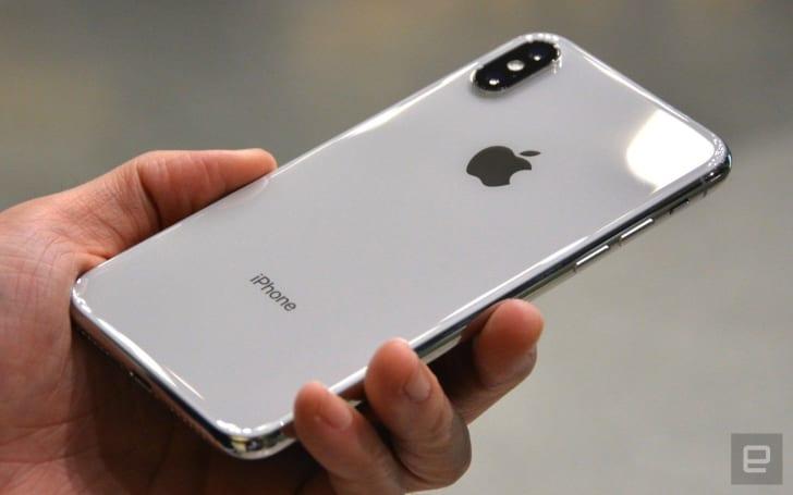 去年的 iPhone 终究还是被纳入了「性能管理」功能的范畴