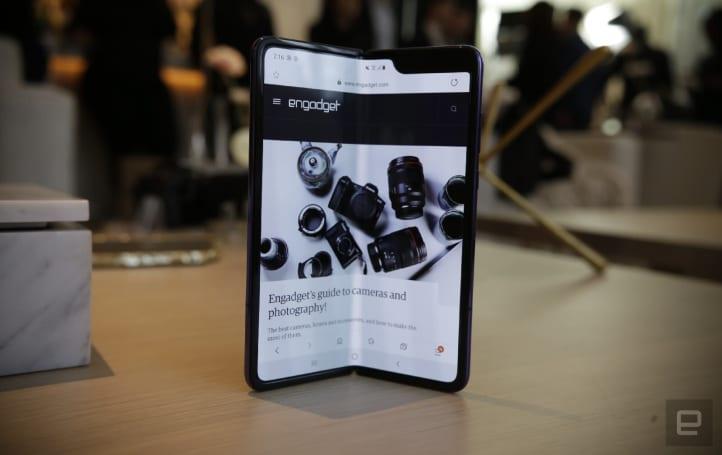 不少 Samsung Galaxy Fold 評測機器已經壞了