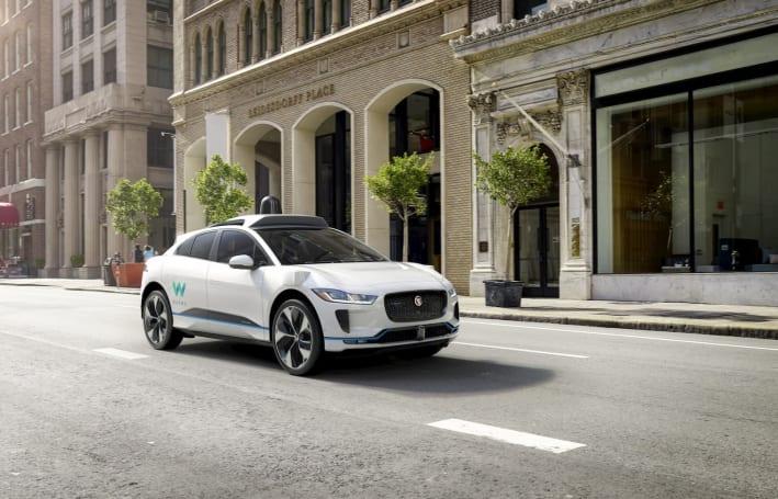 Waymo 改裝的 Jaguar 電動車上路測試了