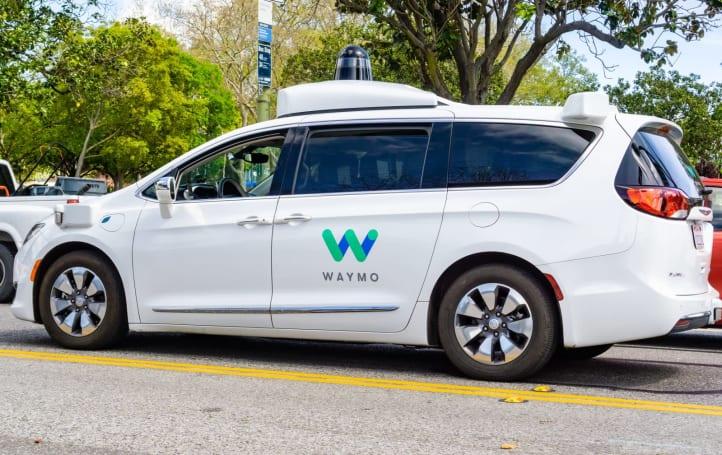 Waymo 獲准在加州利用自駕車接載人員