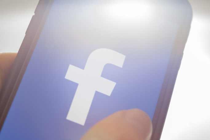 Facebook tests the ability to block certain words on your wall