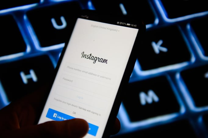 Instagram adds new photo descriptions for visually impaired users