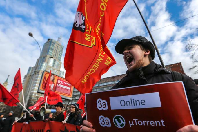 Putin signs Russian internet isolation bill into law