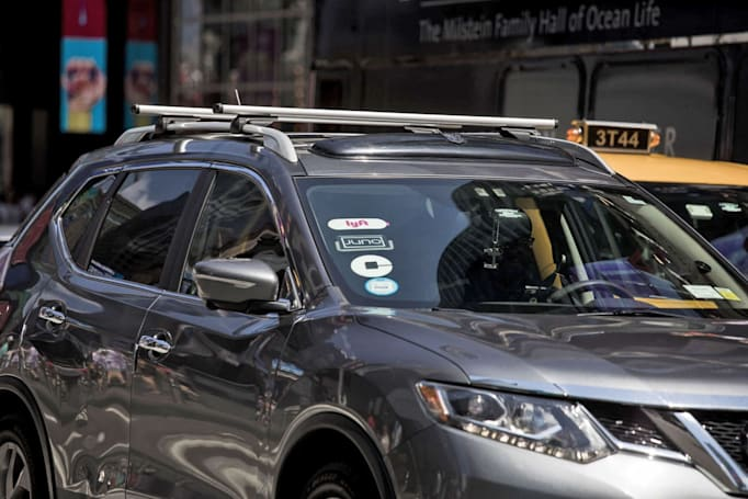NYC passes minimum pay wage for Uber and Lyft drivers
