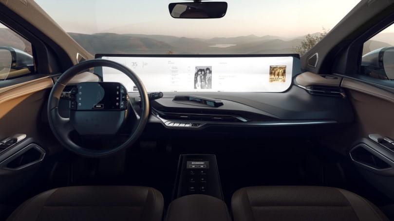 拜騰給自己的 SUV 多加了一片觸控螢幕