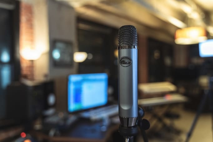 Blue Ember 是一款為直播而設的 XLR 麥克風