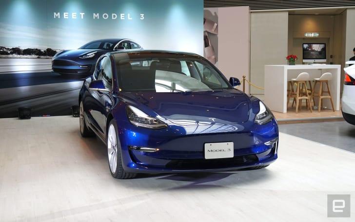 Tesla Model 3 首次現身香港,有望以 HK$360,000 起價