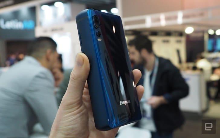 勁量的 18,000mAh 電池手機,厚度能抵三台 iPhone X