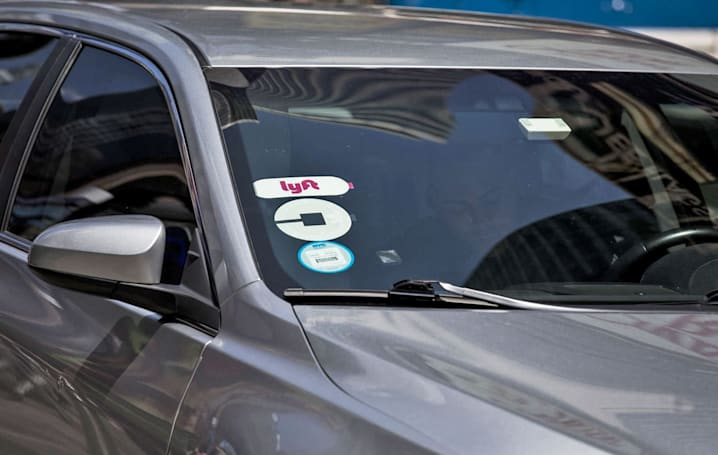 Lyft agrees to pay its drivers the minimum wage in New York