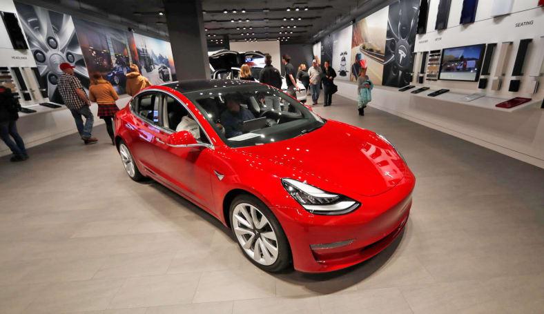 Consumer Reports 又「不推薦」Tesla Model 3 了