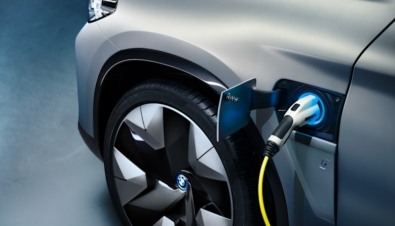 BMW's future EVs could outlast the competition by 200 miles