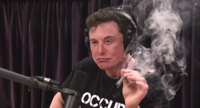 Elon Musk 的五角大楼安全许可正因为那口大麻而遭审查