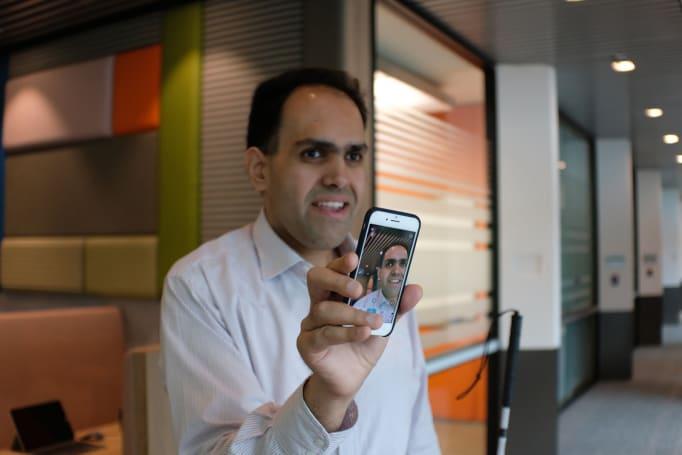 微软的 Seeing AI 现在能把照片内容传递给视障人群