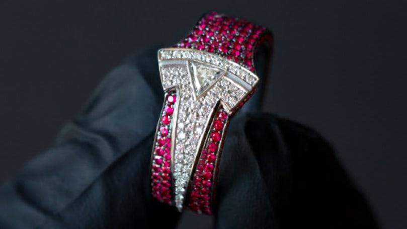 Jeweler who made Tesla ring for Elon Musk gets locked inside Model X