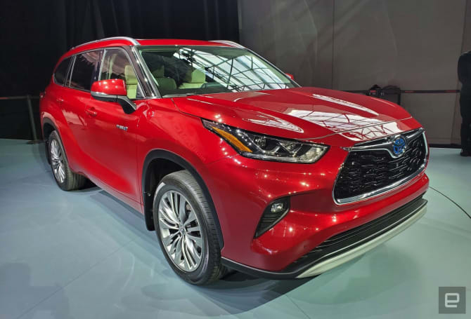 Toyota's 2020 Highlander approaches the pinnacle of SUV practicality