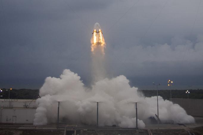 SpaceX 載人艙發生重大意外,測試中爆炸全毀